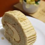 ヘーゼルナッツのロールケーキ お菓子教室6